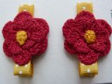 Decorative hair clasps in yellow and red